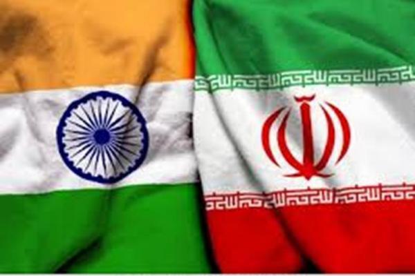 Bendera kebangsaan India bersanding dengan benderan kebangsaa Iran (Foto: shutterstock)