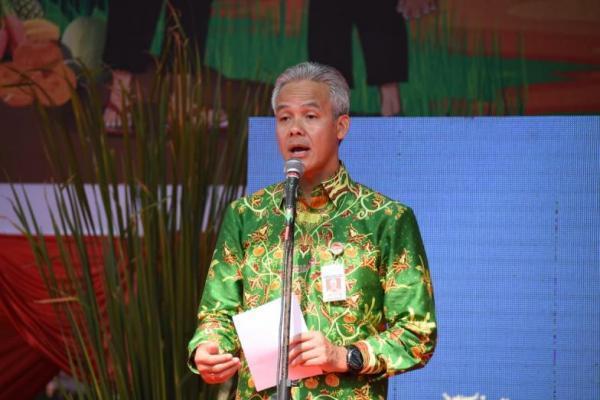 Gubernur Jawa Tengah, Ganjar Pranowo saat membuka Agro Expo 2019 di Soropadan, Temanggung, Jawa Tengah, Kamis (4/7).