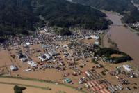 Rumah-rumah di Jepang masih terendam banjir setelah Badai Hagibis menyerang