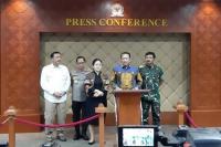 Ketua MPR, Bambang Soesatyo bersama Ketua DPR Puan Maharani, Kapolri Jenderal Tito Karnavian, Panglima TNI Marsekal Hadi Tjahjanto, dan Kepala BIN Budi Gunawan
