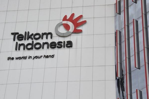 Erick: Mending Nggak Ada Telkom,  Langsung Aja Telkomsel ke BUMN