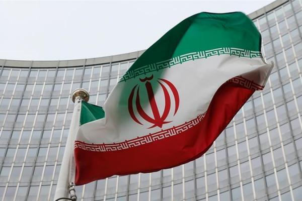 Bendera kebangsaan Iran. (Foto: Leonhard Foeger/Reuters)