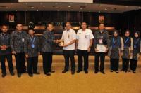 Di hadapan ratusan siswa Madrasah Aliyah Annajah, saat sekolah yang beralamat di Jakarta Selatan itu melakukan kunjungan ke Gedung Nusantara V