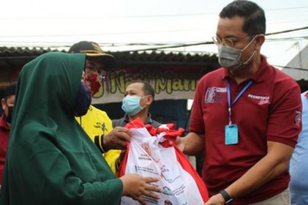 Mensos Juliari Cek Penyaluran Sembako di Jakarta