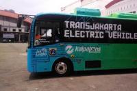 Bus Transjakarta Tetap Beroperasi