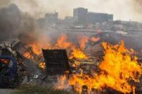 Setelah 18 Jam, Kebakaran Pabrik  Mebel Cakung Akhirnya Padam