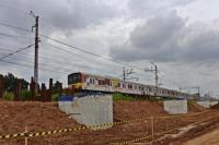 Ilustrasi pembangunan rel kereta api.