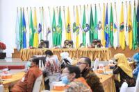 Menteri Dalam Negeri, Tito Karnavian membuka Rapat Koordinasi Pencapaian Target Realisasi APBD 2020 dan Sosialisasi Penggunaan Masker, Cuci Tangan, serta Jaga Jarak untuk Perubahan Perilaku Baru Masa Pandemi Covid-19 melalui Video Conference di SBP Kemendagri. (11/08)