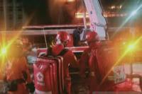 PMI Kirim Ambulans Bantu Penanganan Kebakaran Gedung Kejagung