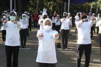 Menaker Perkenalkan Senam Pekerja Sehat di Marunda