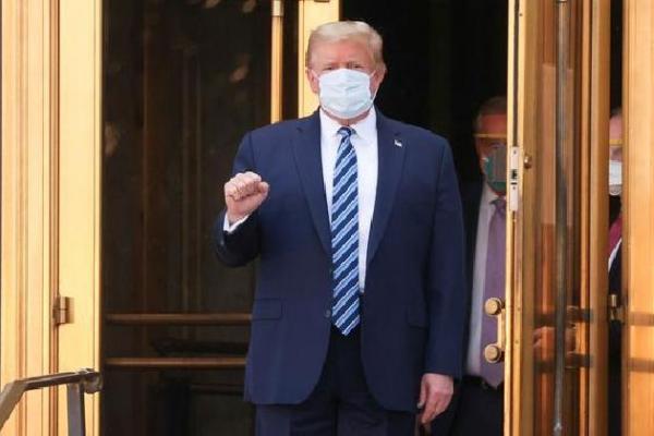 Tinggalkan Rumah Sakit, Trump Pulang ke Gedung Putih
