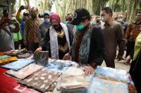 Kunjungi Lumajang, Gus Menteri Sosialisasi Prioritas Penggunaan Dana Desa