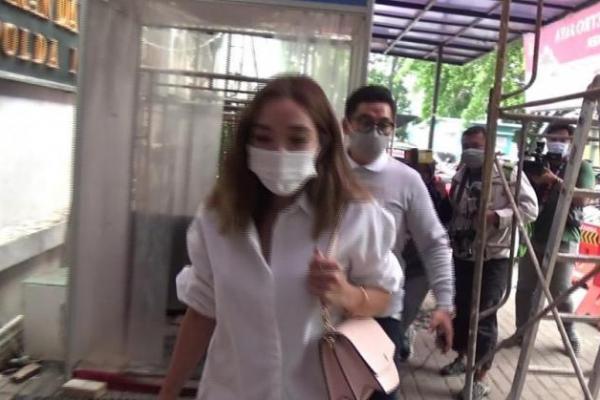 Video Syur Diduga Mirip Dengannya, Gisel Tiba di Polda Metro