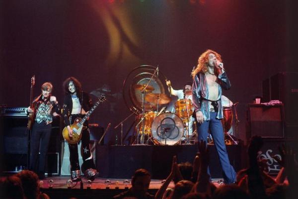 Tentang  Led Zeppelin Si Dewa Metal