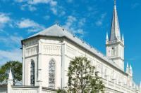 Seorang Warga Singapura di Dakwa Karena Merusak Patung Gereja