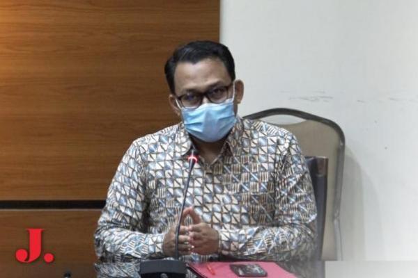 Kasus Korupsi Bansos, KPK Periksa Manager PT Pertani Persero