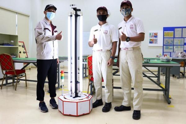 Lulusan TIA Ciptakan Robot UV Disinfektan (Istimewa)