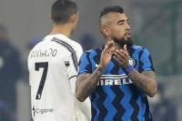 Penyerang Intermilan Arturo Vidal menyarangkan satu gol ke gawang Juventus dalam lanjutan laga Liga Italia senin (18/01/2021) @foto AP