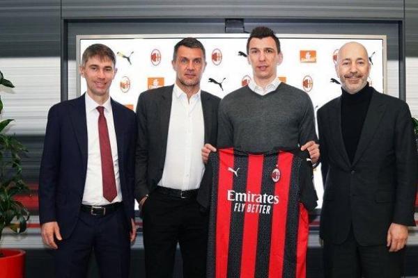 Mario Mandzukic gabung AC Milan dengan status bebas transfer pada bursa transfer musim dingin