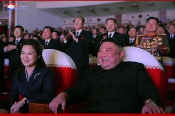 Pertama Muncul di Depan Publik, Istri Kim Jong Un Hadir di Salah Satu Acara Konser