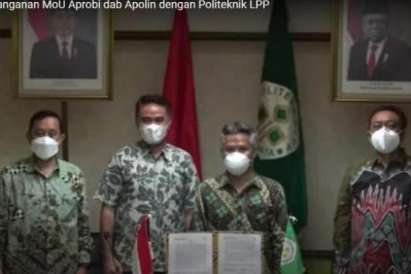 Politeknik LPP Yogyakarta menandatangani memorandum of understanding (MoU) dengan dua asosiasi hilir sawit yaitu Asosiasi Produsen Biofuel Indonesia (Aprobi) dan Asosiasi Produsen Oleochemicals Indonesia (Apolin) yang berlangsung virtual, Sabtu (27/2)