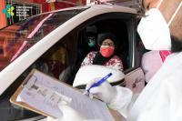 Vaksinasi Covid-19 Drive Thru di kemayoran (Kemenkes)