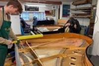Penjualan Piano Tradisional Inggris Meningkat di Masa Pandemi