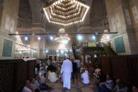 Tunisia Larang Salat Terawih di Masjid Demi Lawan Covid-19
