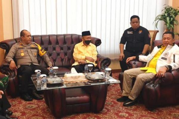 Ketua MPR RI Bambang Soesatyo saat  bertemu Kapolda Jambi Irjen Pol Rachmad Wibowo, Calon Gubernur Jambi yang diusung Partai Golkar-PDIP Ce Hendra, Ketua DPRD Provinsi Jambi, Danrem dan para tokoh masyarakat di Jambi, Sabtu (10/4/21).