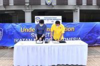 Bamsoet saat penandatanganan perjanjian kerjasama sewa ruangan antara IMI dengan PPKGBK, di Jakarta, Jumat (11/6/21).