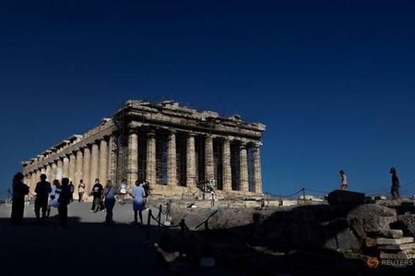 Suhu Panas Paksa Monumen Acropolis Kuno di Athena Tutup
