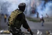 Polisi India Blokade Wilayah Kashmir