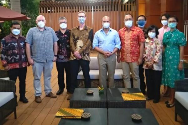 Gubernur VBL Setujui Laut NTT Dilintasi Kabel Listrik Tenaga Surya