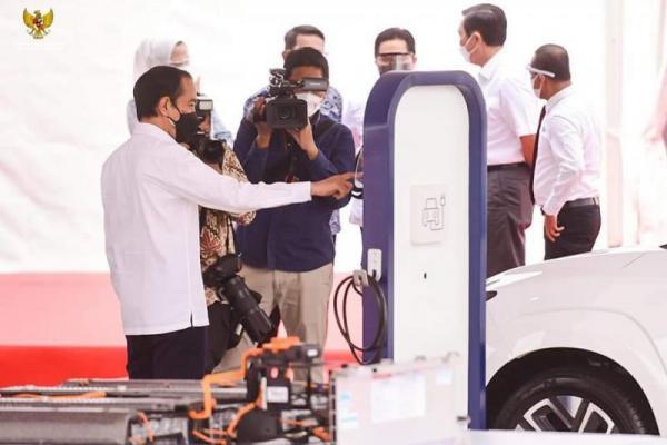 Presiden Joko Widodo Groundbreaking Pabrik Baterai Kendaraan Listrik Pertama di Asia Tenggara