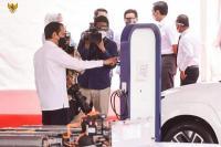Presiden Joko Widodo dalam acara groundbreaking pabrik baterai kendaraan listrik di Karawang, (Foto: Ist)