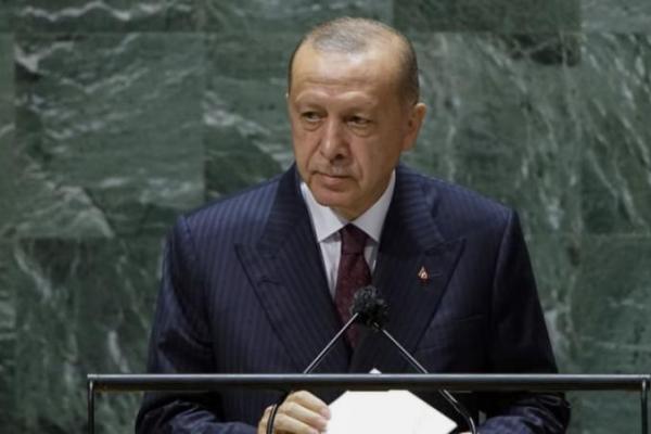 Presiden Turki Recep Tayyip Erdogan berpidato di Sidang ke-76 Majelis Umum PBB, Selasa, 21 September 2021 di markas besar PBB. Foto: CNA