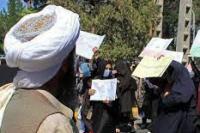 Sejumlah Perempuan Protes Tuntut Hak Bekerja dan Sekolah di Afghanistan