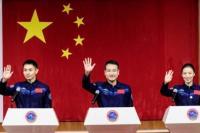 Berawak Tiga Astronot, China Luncurkan Roket ke Inti Stasiun Ruang Angkasa
