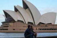 Vaksinasi Melejit, Sydney Longgarkan Pembatasan
